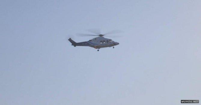 2829264|竖屏拍摄武装直升机飞机免费素材视频