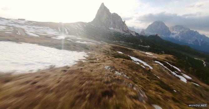 3333089|超酷穿越机航拍穿越冰川4K素材视频