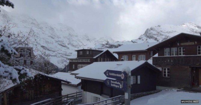 3327064|寒冷冬季, 大雪覆盖山脉, 房子空拍连续镜头的CC0视频素材
