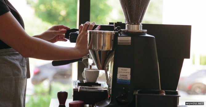 2849956|咖啡师, 咖啡机冲泡咖啡4K免费素材视频