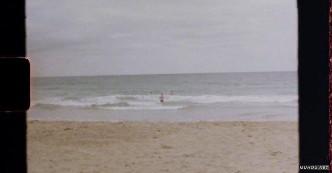 3556164|有关8毫米复古胶片拍摄海边免费素材视频